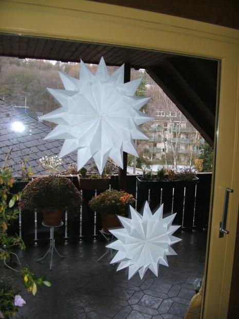 weihnachtsdeko preiswert ein stern mit 16 zacken. Black Bedroom Furniture Sets. Home Design Ideas