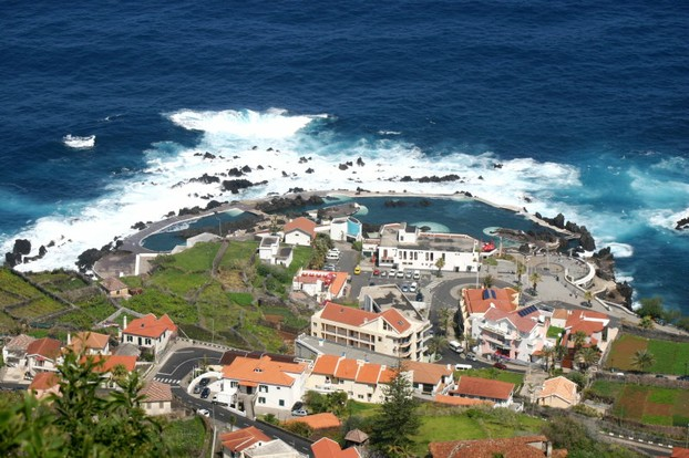 Meerbecken in Porto Moniz