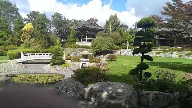 D sseldorf little tokyo am rhein for Haus japanischer stil