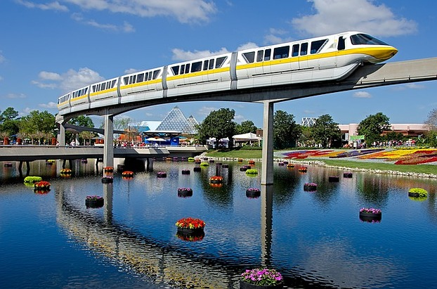 Monorail in Disneyworld