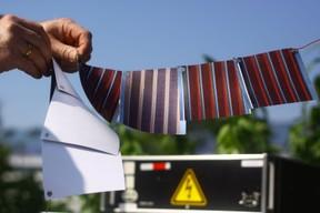 erneuerbare energie gedruckte solarmodule auf papier. Black Bedroom Furniture Sets. Home Design Ideas