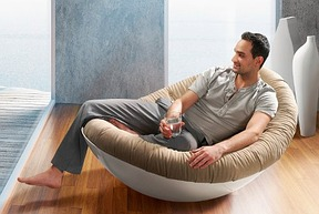 neue trends f r die wohnung es wird bunt. Black Bedroom Furniture Sets. Home Design Ideas