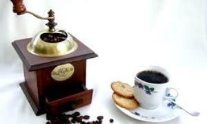 bodum bistro kaffeem hle mit kegelmahlwerk im test. Black Bedroom Furniture Sets. Home Design Ideas