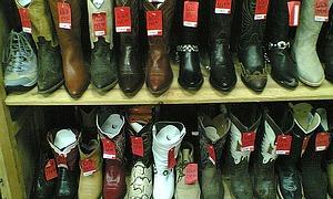 ankle boots mit keilabsatz markenschuhe und g nstige. Black Bedroom Furniture Sets. Home Design Ideas