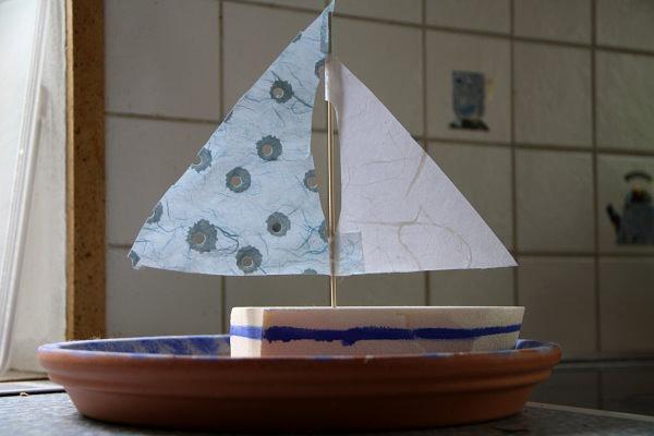 basteln f r den sommer schiff und windspiel das kann ihr kind schon selber. Black Bedroom Furniture Sets. Home Design Ideas