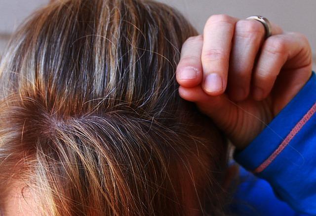 Sieben Gründe Graue Haare Einfach Wachsen Zu Lassen